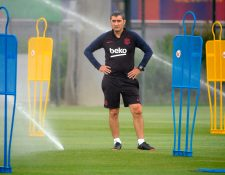 El entrenador del Barcelona, Ernesto Valverde, solo cuenta con Griezmann como delantero para enfrentar al Betis. (Foto Prensa Libre: AFP)