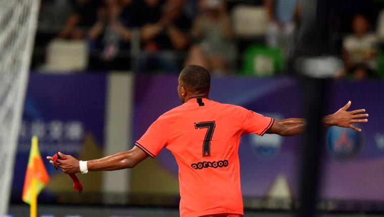 Kylian Mbappe, una de las figuras del París Saint-Germain, cada vez gana más popularidad a nivel mundial. (Foto Prensa Libre: AFP)