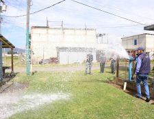 De acuerdo con la Emax los precios no se incrementaron ya que la medida fue solo para disponer de todos los costos en un solo tarifario, este también incluye el valor del excedente en el consumo  de agua. (Foto Prensa Libre: María Longo)
