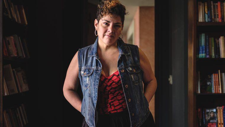 María Fernanda Ampuero busca contar historias reales desde la ficción (Foto Prensa Libre: José A. Ochoa).