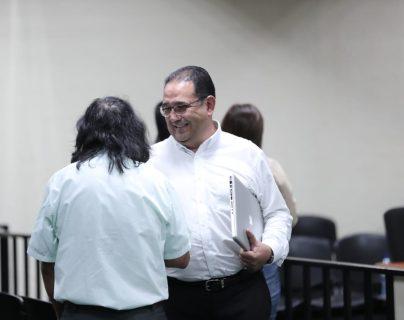 Sammy Morales durante una pausa en el debate del caso Botín en el Registro de la Propiedad. (Foto Prensa Libre: Juan Diego González)