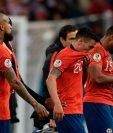 Chile, bicampeón de la Copa América, se quedó sin la posibilidad del tricampeonato al perder ayer en las semifinales por 3-0 contra Perú, que disputará la final del torneo continental frente a Brasil el próximo domingo en el Maracaná (Foto Prensa Libre: AFP)