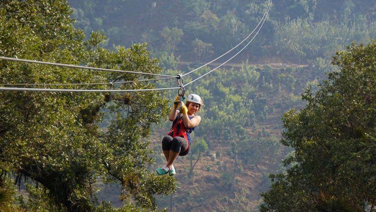 Consultores, proveedores y ente rector del turismo recomiendan que se regulen controles para actividades de canopy. (Foto, Prensa Libre: Hemeroteca PL).