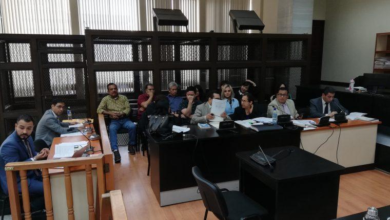 Los primeros importadores que fueron beneficiados con criterio de oportunidad y juicios abreviados en el caso La Línea. (Foto Prensa Libre: Kenneth Monzón)