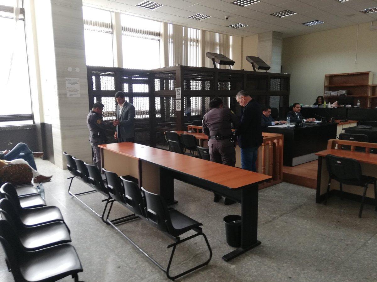 Exministro de la Defensa y expresidente del Seguro Social seguirán en la cárcel