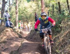 El enduro es una modalidad donde los deportistas muestran mucha habilidad sobre la bicicleta. (Foto Prensa Libre: Cortesía Edgar Medrano)