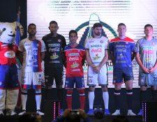Estos serán los uniformes oficiales de Xelajú para la temporada 2019-2020. (Foto Prensa Libre: Raúl Juárez)