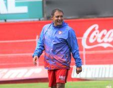 Horacio González recibió la confianza de la directiva de Xelajú para que armara el plantel para la presente campaña. (Foto Prensa Libre: Raúl Juárez)