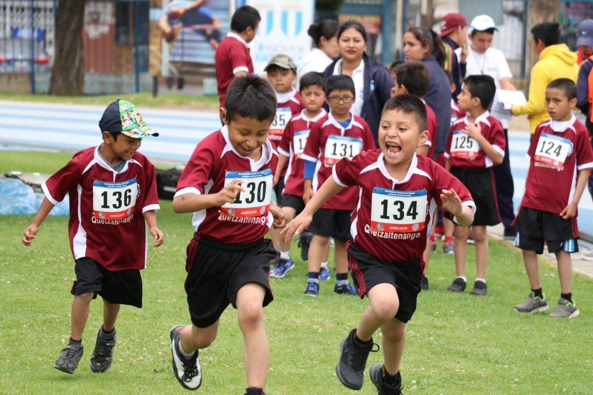 Niños y jóvenes con discapacidad auditiva y visual dan ejemplo de perseverancia en Juegos Deportivos