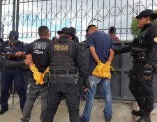 Los detenidos fueron trasladados al Centro Regional de Justicia, zona 6. (Foto Prensa Libre: cortesía PNC)