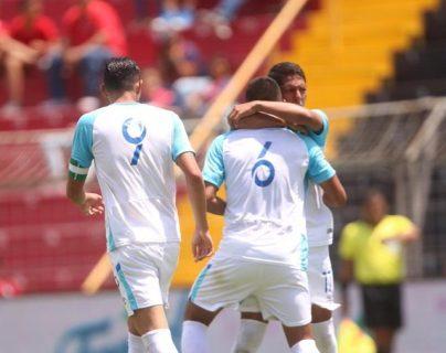Los jugadores de la Bicolor festejaron dos anotaciones y se quedaron cerca del sueño. (Foto Prensa Libre: Fedefut)