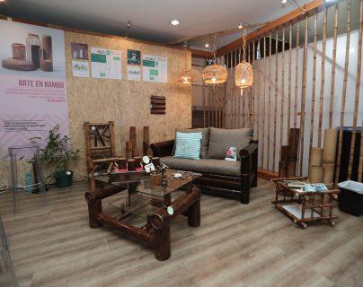 Muebles y artesanías de madera y de bambú la oferta de fabricantes guatemaltecos apoyados por la Cooperación de Taiwán.(Foto, Prensa Libre: Juan Diego González).