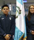 Jorge Vega, abanderado, y Adriana Ruano, escolta, de la delegación de Guatemala. (Foto Prensa Libre: Carlos Hernández)