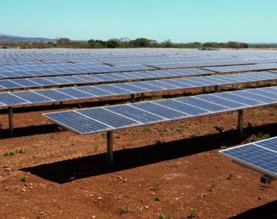 Entre los proyectos del Inde está la  licitación de 5 generadoras de energía solar en el oriente del país. (Foto, Prensa Libre: Hemeroteca PL).