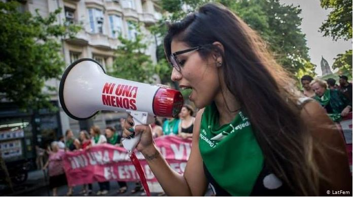 Campaña contra la violencia de género en Argentina y otros países. DW
