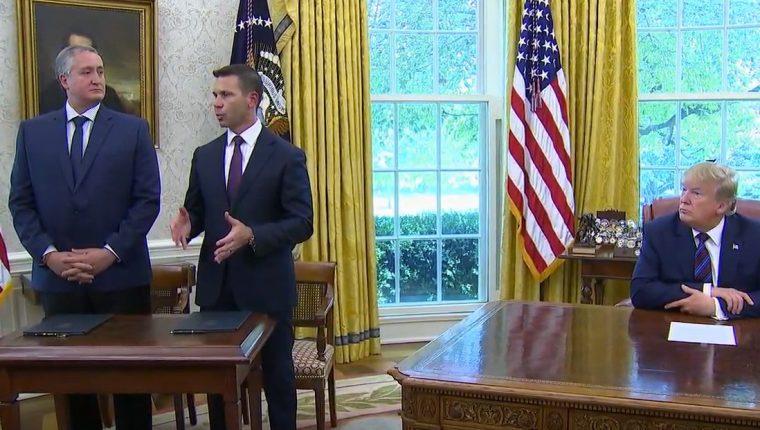 La firma del acuerdo de asilo se firmó en la Casa Blanca, Estados Unidos. (Foto Prensa Libre: Fox News).