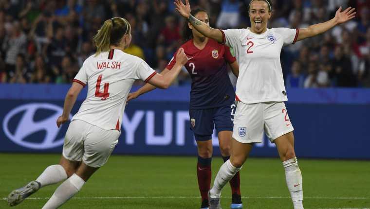 Lucy Bronze de la Selección de Inglaterra asegura que Estados Unidos no será finalista. (Foto Prensa Libre: EFE)