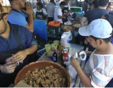 Esta es la cuarta edición de la Feria del Chicharrón en Mixco.(Foto Prensa Libre: Hemeroteca PL)