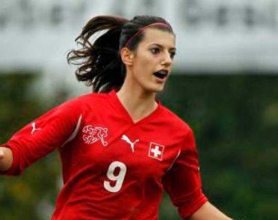 El cuerpo de la futbolista Florijana Ismaili fue encontrado por los bomberos italianos. (Foto Prensa Libre: cortesía Guardian.ng)