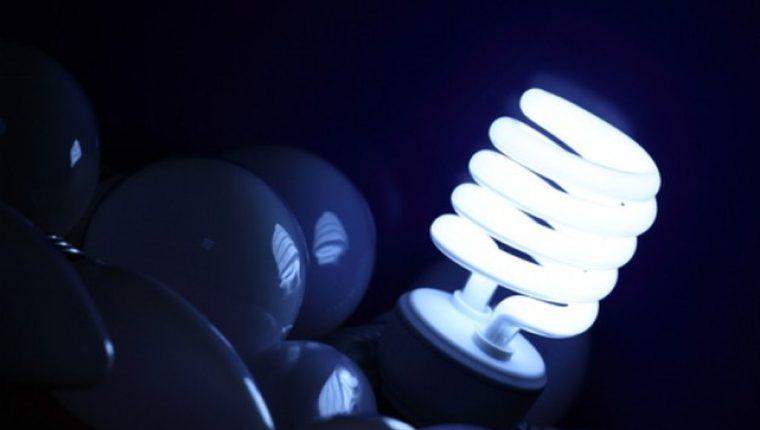 En julio entró en vigencia un nuevo pliego de tarifas por distribución de energía eléctrica para los usuarios de Energuate. (Foto, Prensa Libre: Hemeroteca PL).