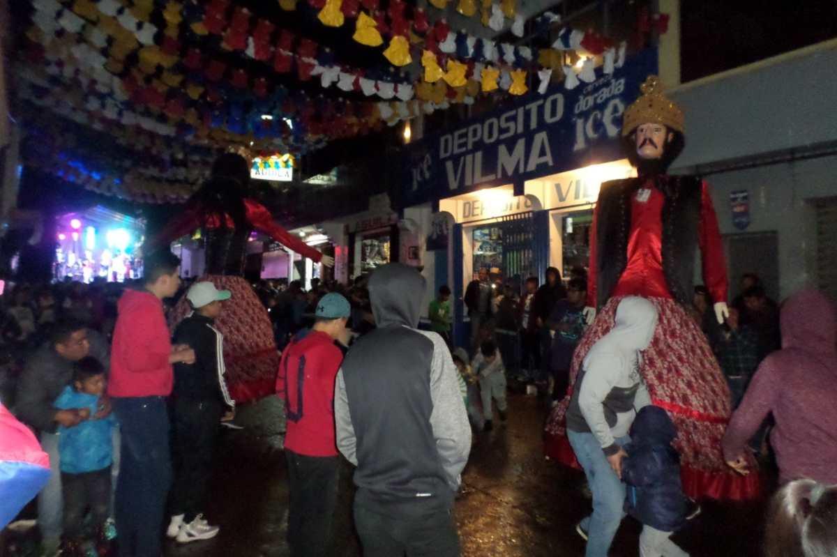 Una vez más el Baile de los Gigantes cautivó a los pobladores de Quetzaltenango