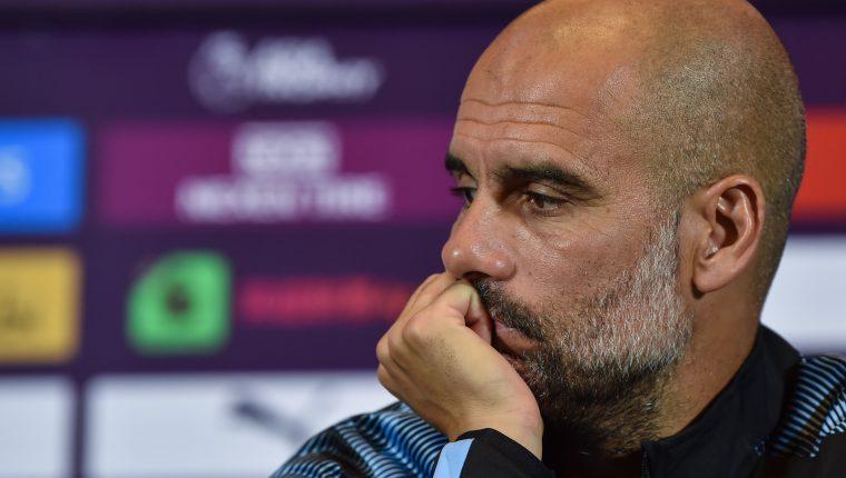 El estratega español del Mánchester CIty, Pep Guardiola, está preocupado por el momento de De Bruyne. (Foto Prensa Libre: AFP)