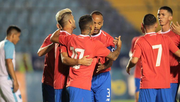 Costa Rica le dio una lección al conjunto guatemalteco, en el propio estadio Doroteo Guamuch Flores (Foto Prensa Libre: Norvin Mendoza)