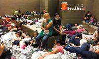 THM23. MCALLEN (ESTADOS UNIDOS), 02/07/2019.- Fotografía fechada el 11 de junio de 2019 y cedida por el departamento de Seguridad Nacional que muestra condiciones de hacinamiento en el puesto de McAllen de la Patrulla Fronteriza de los Estados Unidos, en McAllen, Texas, (EE.UU.). La fotografía se publicó como parte de un informe sobre 'El Departamento de Seguridad Nacional necesita abordar el hacinamiento peligroso y la detención prolongada de niños y adultos en el Valle del Río Grande'. EFE/ Departamento De Seguridad Nacional MÁXIMA CALIDAD DISPONIBLE / CARAS DIFUMINADAS PARA CONSERVAR PRIVACIDAD SOLO USO EDITORIAL NO VENTAS