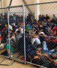 Esta fotografía muestra a migrantes hacinados en el centro de detención en McAllen, Texas y fue captada por personal de la DHS. (Foto Presa Libre: Cortesía DHS)