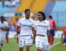 Agustín Herrera festejó con todo en su regreso a Comunicaciones. (Foto Prensa Libre: Edwin Fajardo)