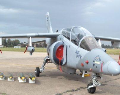 El avión IA-63 Pampa III es el modelo que el Ministerio de la Defensa quiere adqurir. (Foto Prensa Libre: Hemeroteca PL).