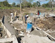 Trabajos de construcción en Champerico, Retalhuleu para el cultivo de camarón, tilapia y frutas para exportación. (Foto Prensa Libre: Cortesía Integral Fruits)