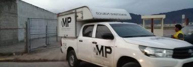 El personal del MP se retiró del lugar porque se estableció que la muerte del joven fue por enfermedad. (Foto Prensa Libre: María Longo)