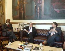 La canciller guatemalteca, Sandra Jovel, en reunión con su similar beliceño Wilfred Elrington (Foto Prensa Libre: Minex)