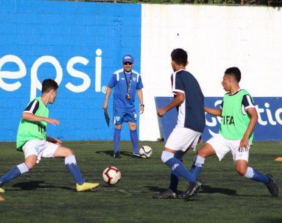 El hondureño Rigoberto Gómez tendrá la tarea de dirigir a las selecciones nacionales menores Sub 15 y Sub 17 (Foto Prensa Libre: cortesía Fedefut)