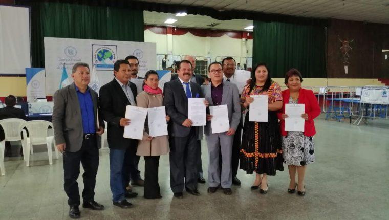 El nuevo Concejo de Xela estará conformado por diez síndicos y concejales titulares así como suplentes del Partido Humanista. (Foto Prensa Libre: María Longo)