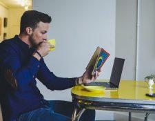 Estimular la concentración y la percepción son algunos de los beneficios de la lectura. (Foto Prensa Libre: Servicios)