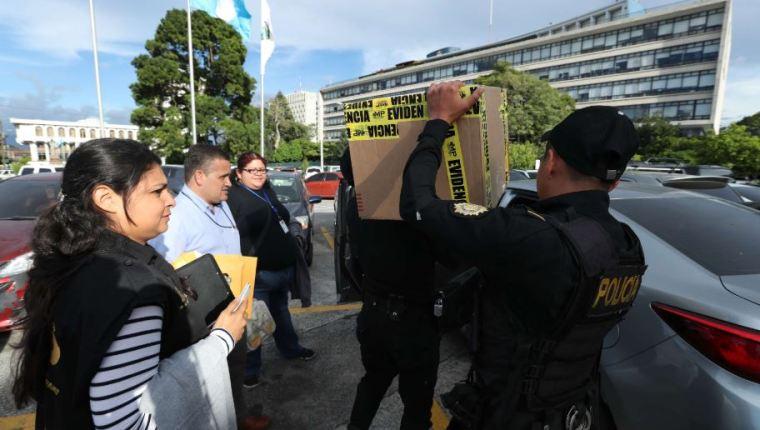 El Ministerio Público secuestró documentos para este caso y muchos se vinculan  al caso Caja de Pandora. (Foto Prensa Libre: Hemeroteca PL)