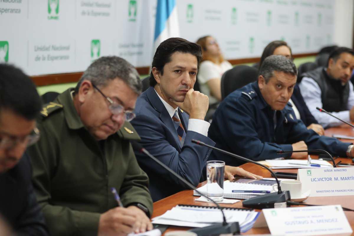 Exministro de Finanzas Víctor Martínez se pone a disposición de la justicia