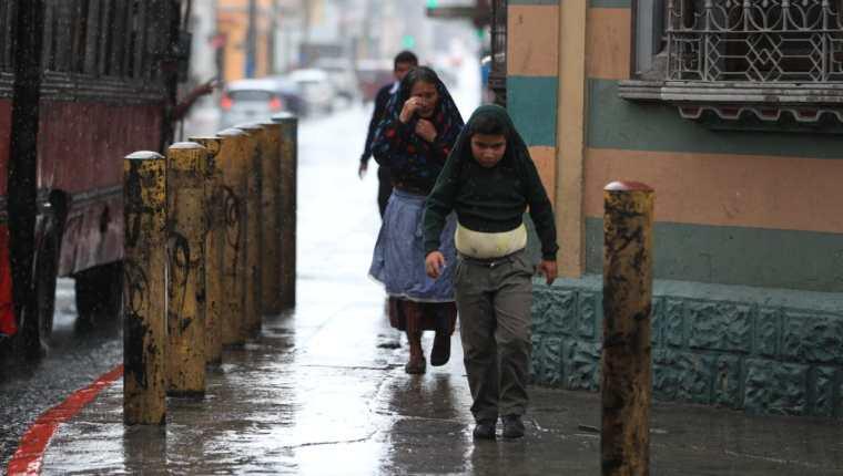 Se prevé que las lluvias continúen en los próximos días. (Foto Prensa Libre: Hemeroteca PL)