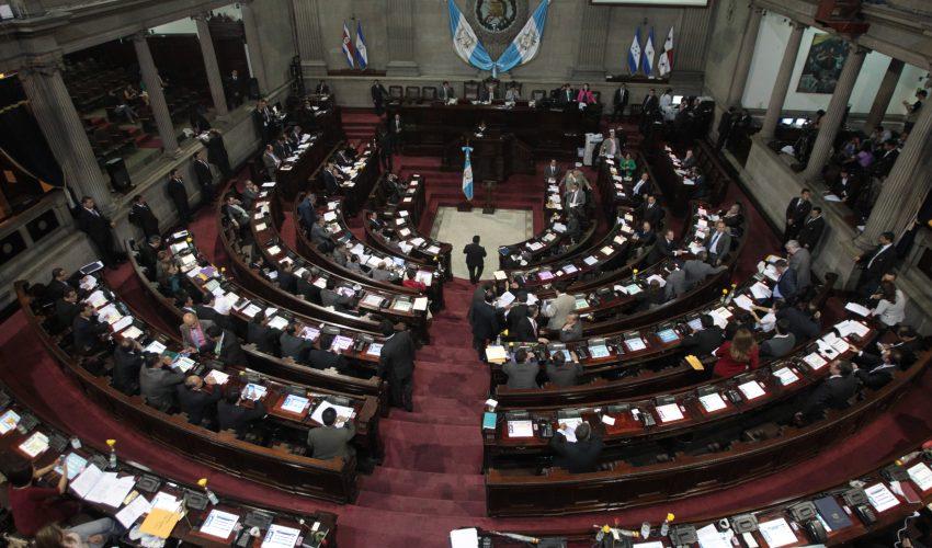 La novena legislatura toma posesión el próximo 14 de enero y se rige bajo una ley que prohíbe el transfuguismo. (Foto Prensa Libre: Hemeroteca PL)