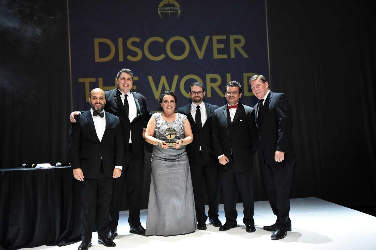 Guatemaltecas que impulsan viajes en cruceros son premiadas en Colombia