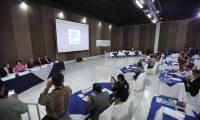 Los magistrados del TSE en reunión con los presidentes de las juntas electorales departamentales y municipales. (Foto Prensa Libre: Juan Diego González)