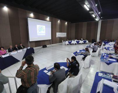 Los magistrados del TSE se reunieron con los presidentes de las juntas electorales departamentales y municipales. (Foto Prensa Libre: Juan Diego González)