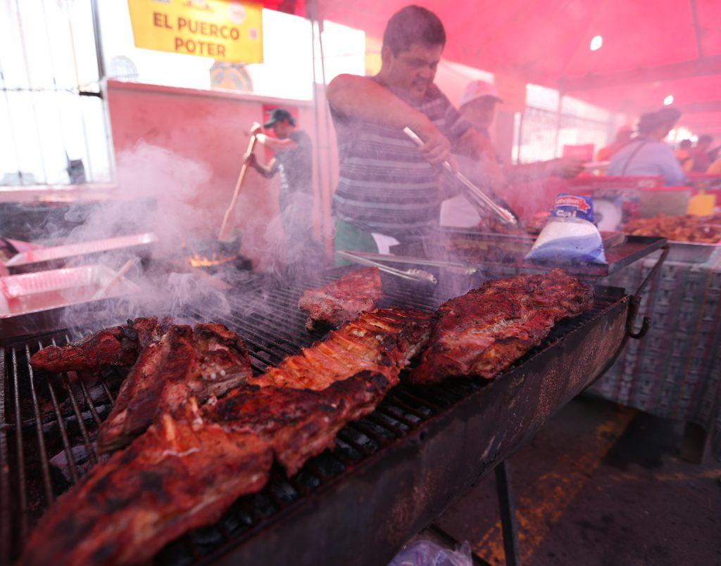 Un comedor con 130 mesas para atender a varias familias.(Foto Prensa Libre: Esbin García)