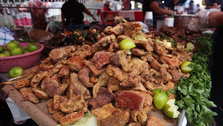 Feria del Chicharrón se celebró en Mixco. (Foto Prensa Libre: Esbin García)