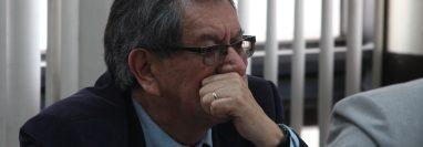 El exdiputado Mario Linares el día que se presentó al juzgado. (Foto Prensa Libre: Hemeroteca).