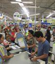 Las cadenas de retail o autoservicio, que trabajan por picos de temporada, podrán utilizar la figura del tiempo parcial. (Foto Prensa Libre: Hemeroteca PL)