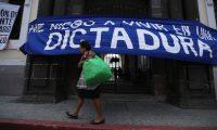 Estudiantes de la Universidad de San Carlos tomaron las instalaciones del MUSAC y junto con organizaciones civiles protestaron en contra de los diputados del Congreso de la repœblica quienes intentaron sesionar en dichas instalaciones.        Fotograf'a Esbin Garc'a  30-07-2019