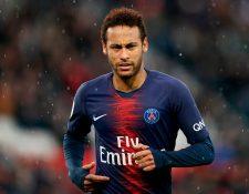 Neymar se integra al equipo parisino en un momento   bastante agitado. (Foto Prensa Libre: AFP)